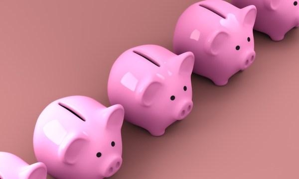 Smart Money Moves Before Year End. piggy bank piggy-2889043_1920
