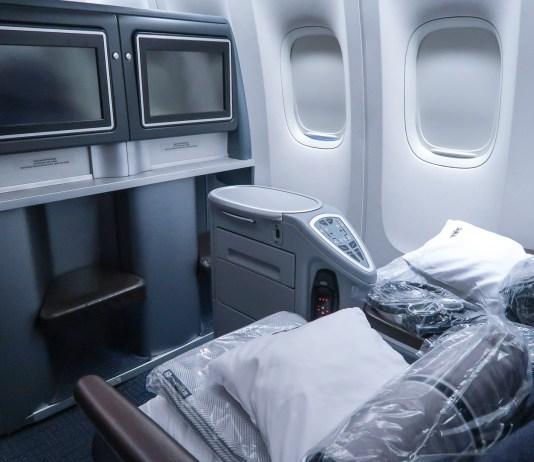 United Airlines Polaris 777-200 view