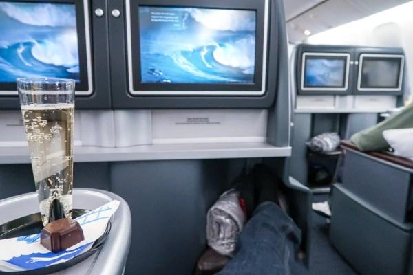 United Airlines Polaris 777-200 champagne