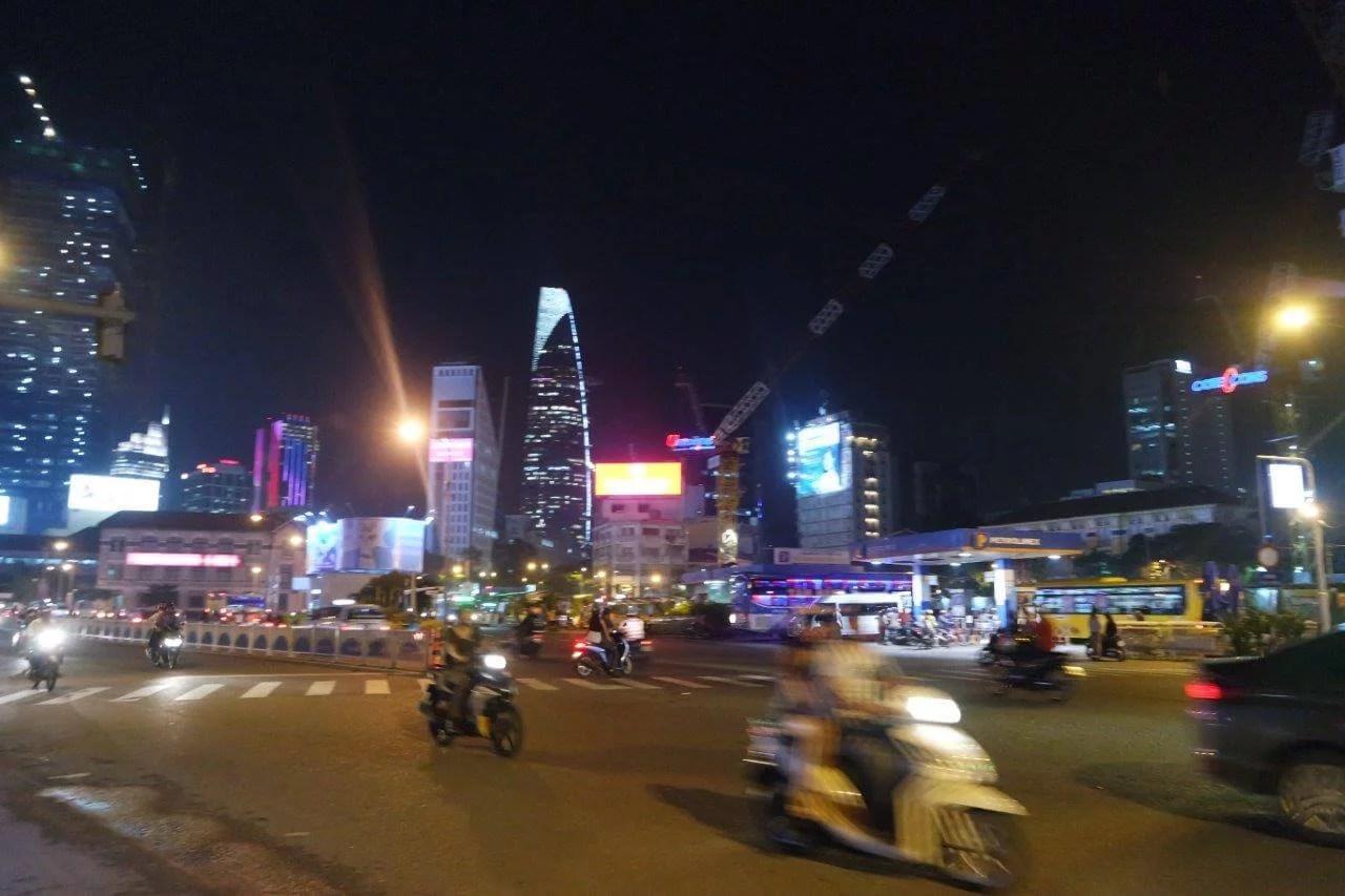 [3rd Anniversary Trip] Hari Kedua: Singapura – Ho Chi Minh City