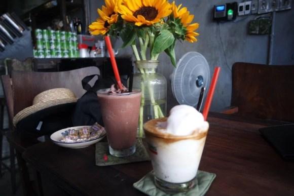 Es Kopi Kelapa di Cong Ca Phe Da Nang