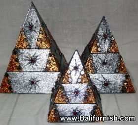 2-pyramid-wood-boxes-bali