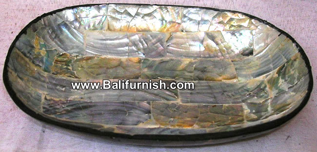 tray8-8-sea-shell-bowls-with-resin