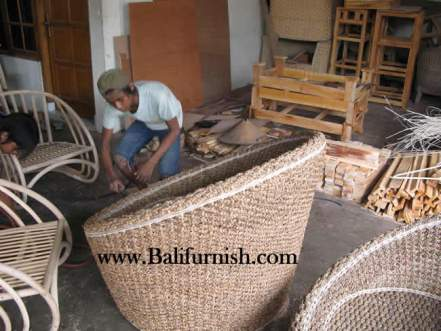 woven-furniture-factory-1