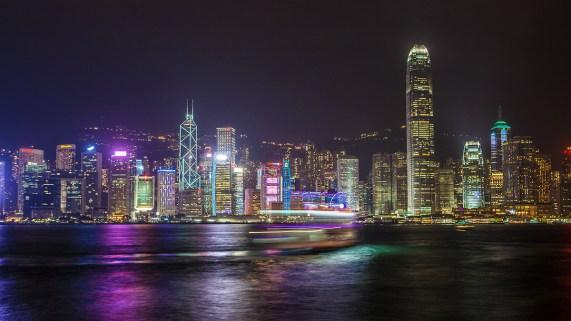 Hongkongs-Skyline-at-Night
