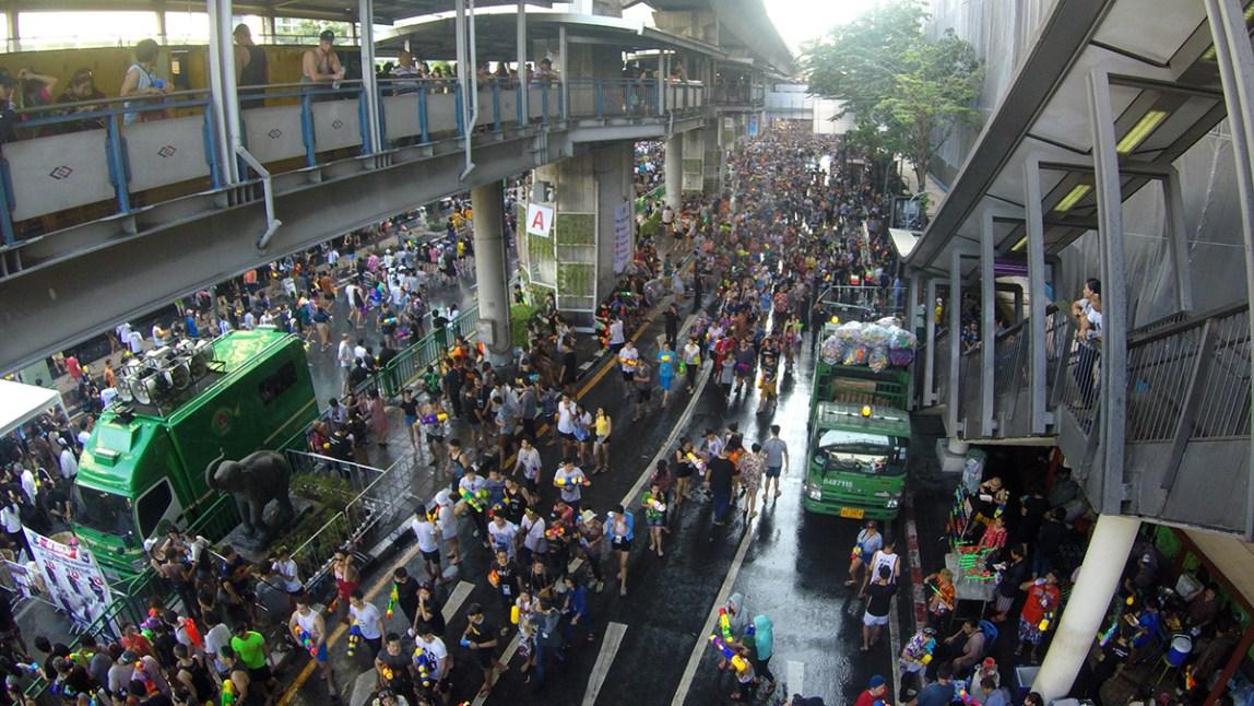 Bangkok-Songkran-Wasserfest-Neujahresfest-07