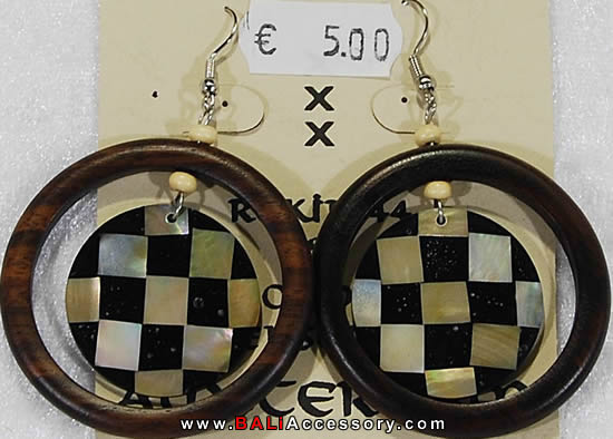 bali-shell-earrings-005-915-p