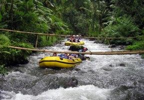 bamboo-bridge-telaga-waja-rafting