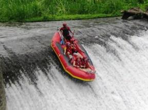 batr-telaga-waja-rafting