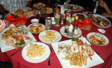 seafood-basket-on-a-plate