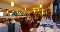 dinner-set-up-munduk-moding-coffe-plantation-bali-travel-experiences