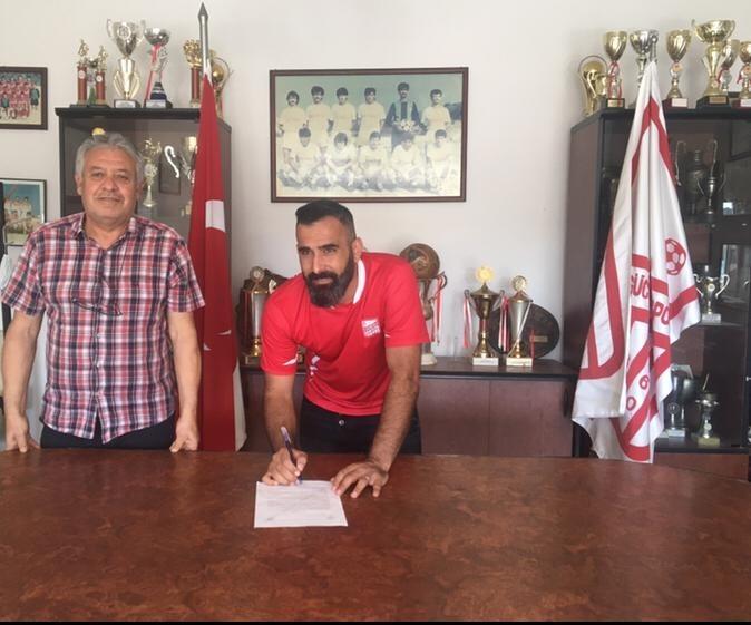 Bigaspor'un tecrübeli kalecisi Taner Ayvalıkgücü'ne transfer oldu