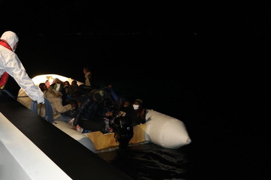 29 düzensiz göçmen Sahil Güvenlik tarafından kurtarıldı