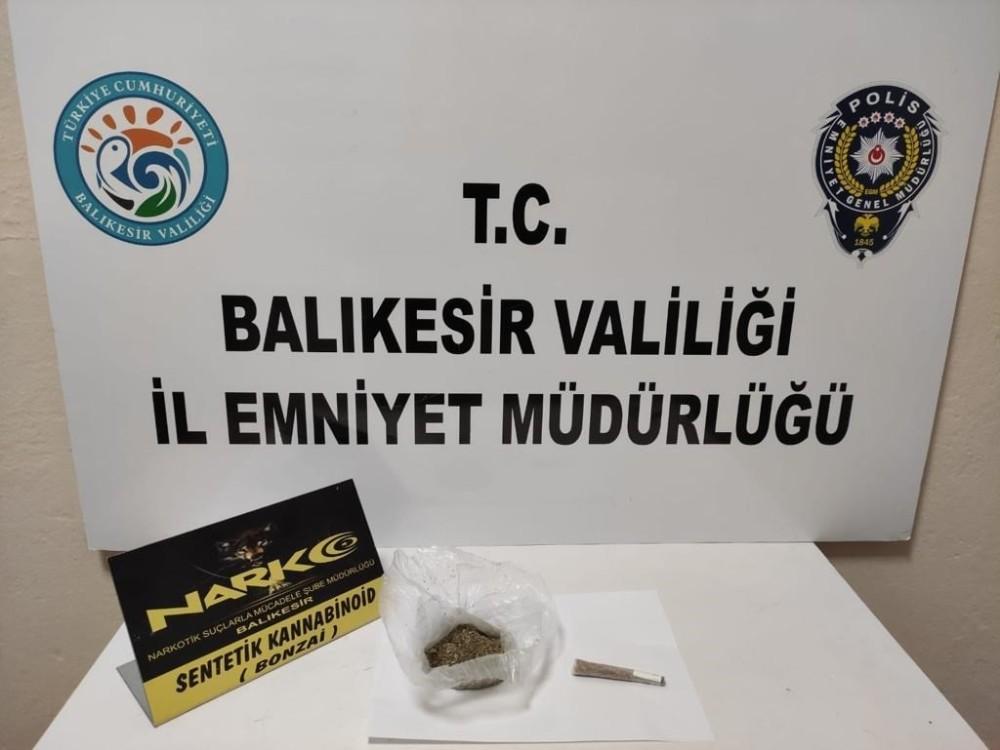 Balıkesir'de polis 30 uyuşturucu şüphelisini yakaladı