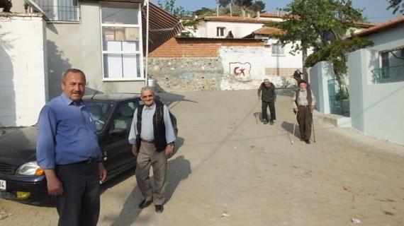 Burhaniye'de iki mahalle daha kısmî karantinada