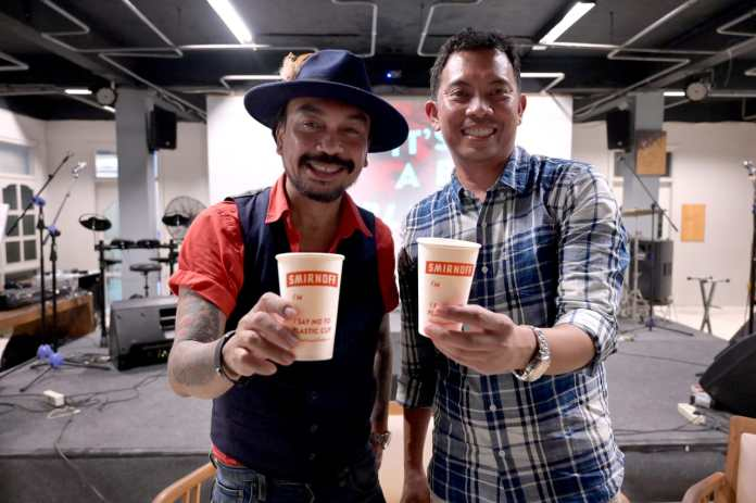 Rumah Sanur Representative, Rudolf Dethu (left), who is also a music observer in Bali, and Corporate Relations Director of Diageo Indonesia, Dendy A. Borman.