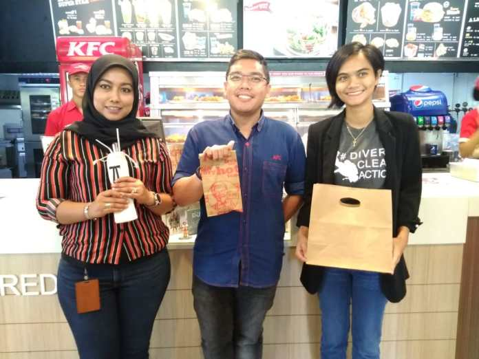 KFC Indonesia introduced paper bags and stainless straw to KFC outlets in Bali.