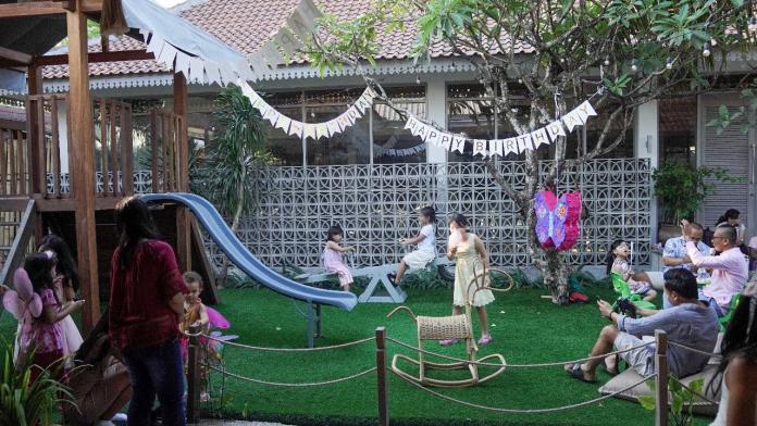 Playground for kids at Bendega Restaurant.