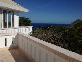 4bedroom villa for sale cliff front in Jimbaran.