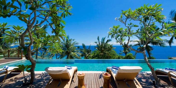 Malimbu Cliff Villa – 4 bedroom, pool villa in Lombok – for rent @ Asia-Villa-Rental.com