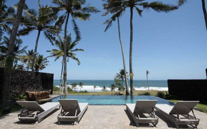2 bedroom beachside villa for sale in Balian – Indo-Properties