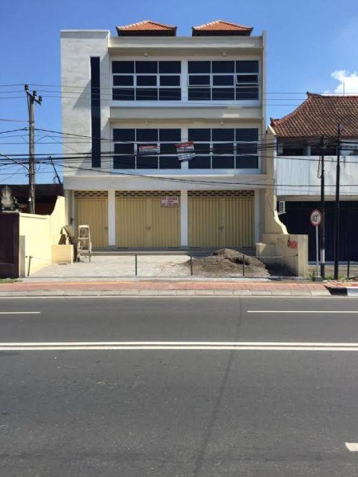 Dijual Ruko Jln Buluh Indah Denpasar ukuran 6 m X15m X 3 lantai Hrg Rp 5 M