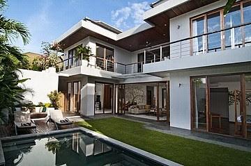 3Bedroom Villa for Sale in Batubelig Seminyak Bali – Indo-Properties