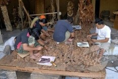 Wood Carving Mas Village