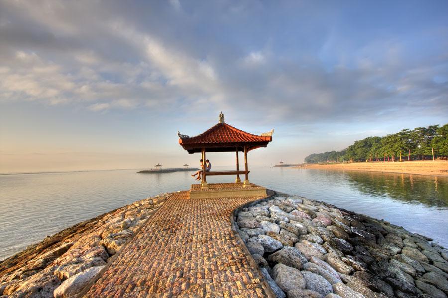 Sanur sunrise par Ketut Sukandia, photographe balinais.
