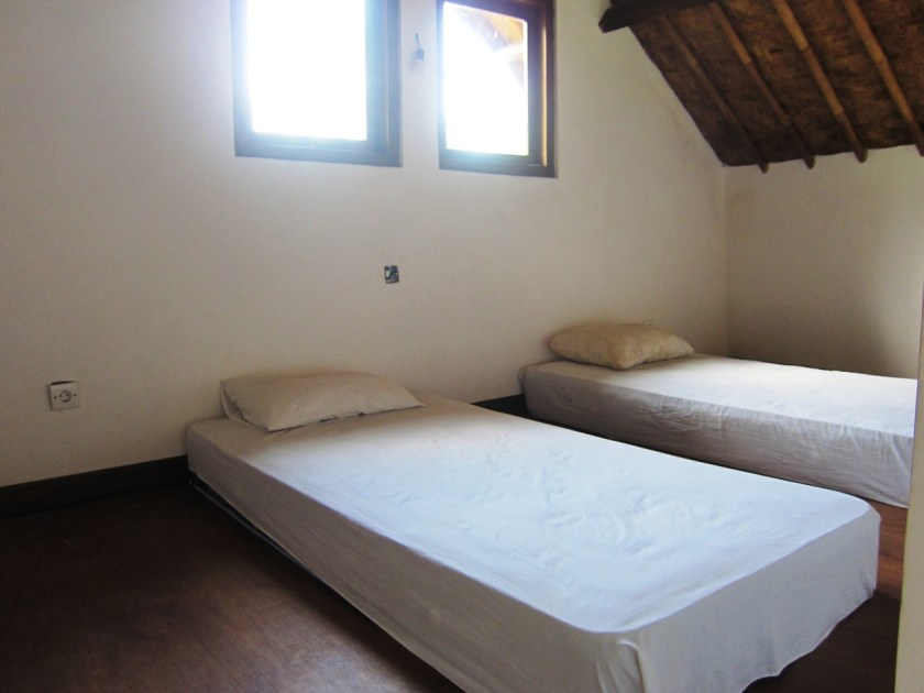 Room n°3 mezzanine at Wawa wewe rock homestay in Banuyning (Amed area), Karangasem, Bali, Indonesie