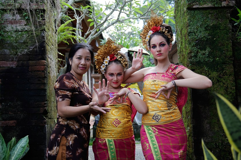 sriani danse ubud - 365 days in Paradise