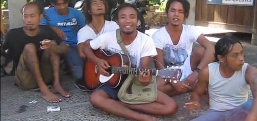 Chanson Bali : Kulit kacang (Amed, Karangasem)