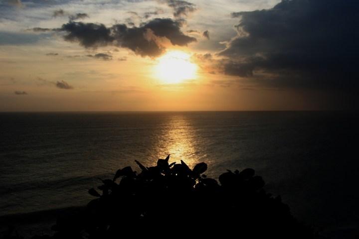 Sunset à Uluwatu, Bukit, Bali, Indonésie - Balisolo