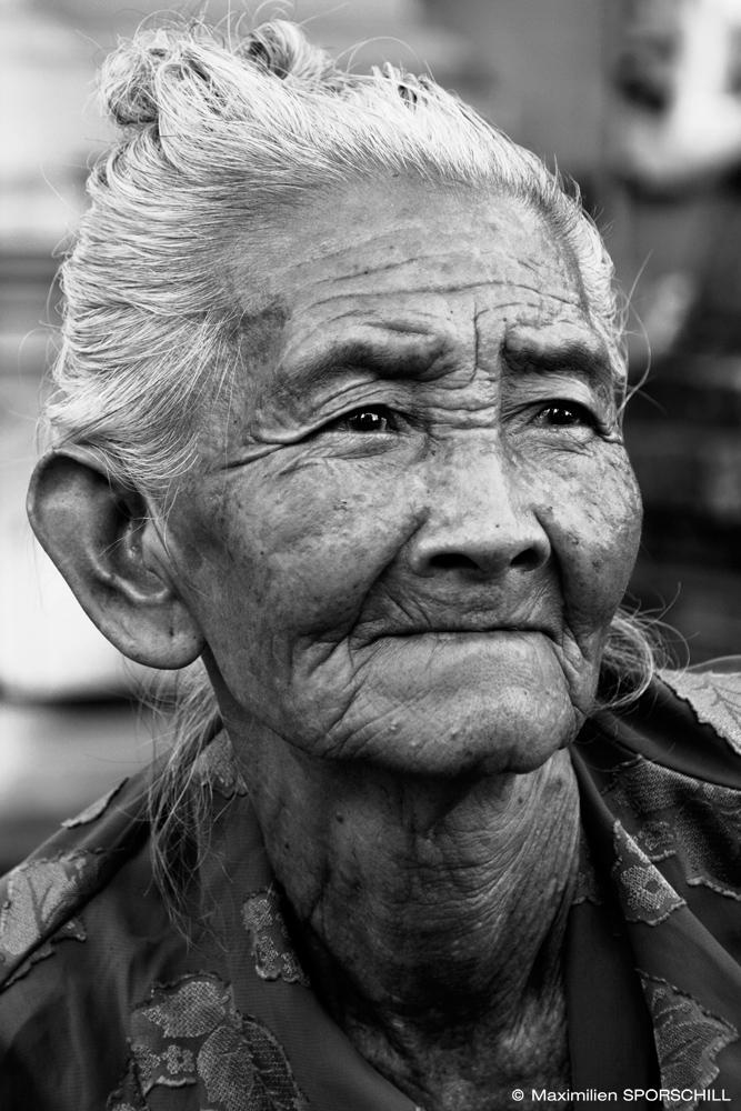 Grandma taking a break for a picture - Bali, 2014 - Maximilien SPORSCHILL