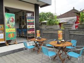 Se loger à Sanur - Resto - le Café Locca Homestay - Balisolo_