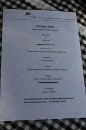 Le menu du petit-déjeuner (inclus dans le prix)
