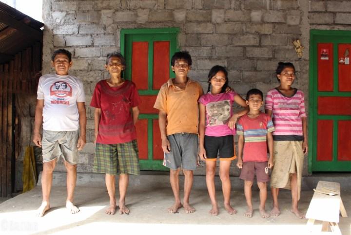 Rencontre avec Madewi à Bangle (Karangasem, Bali, Indonésie) © Balisolo 2014