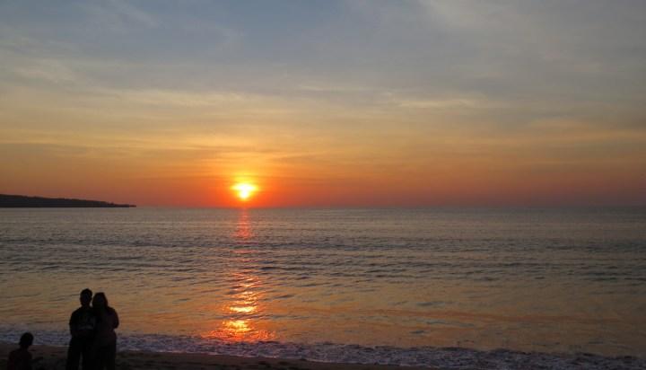Incontournable dîner les pieds dans le sable à Jimbaran - Balisolo (12)