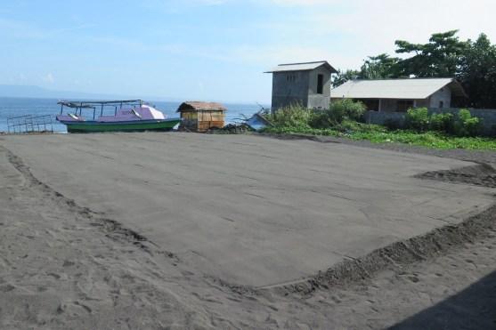 20151130 L'or de Kusamba ou la fabrication du sel balinais - Balisolo, Eko Santoso (1)