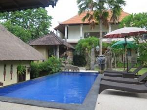 Piscine - Chez Nyoman à Batuan - Balisolo (82)