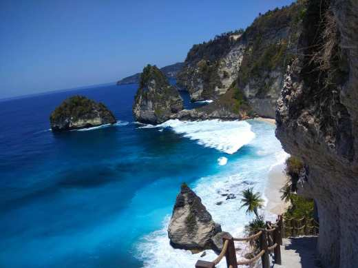 Youdi Guide trekking a Bali Balisolo Francophone (4)