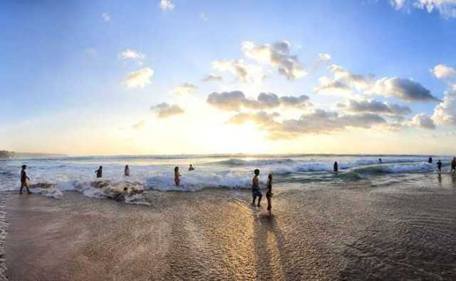 pantai dreamland, sunset di bali