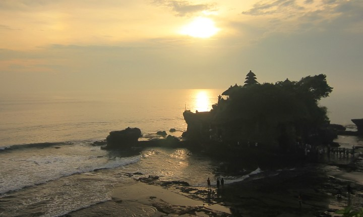 Tanah Lot, Twilight Charming at the Pavilion of  Ocean