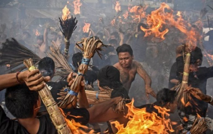 Fire War, Lombok Hindu Tradition Welcomes Nyepi