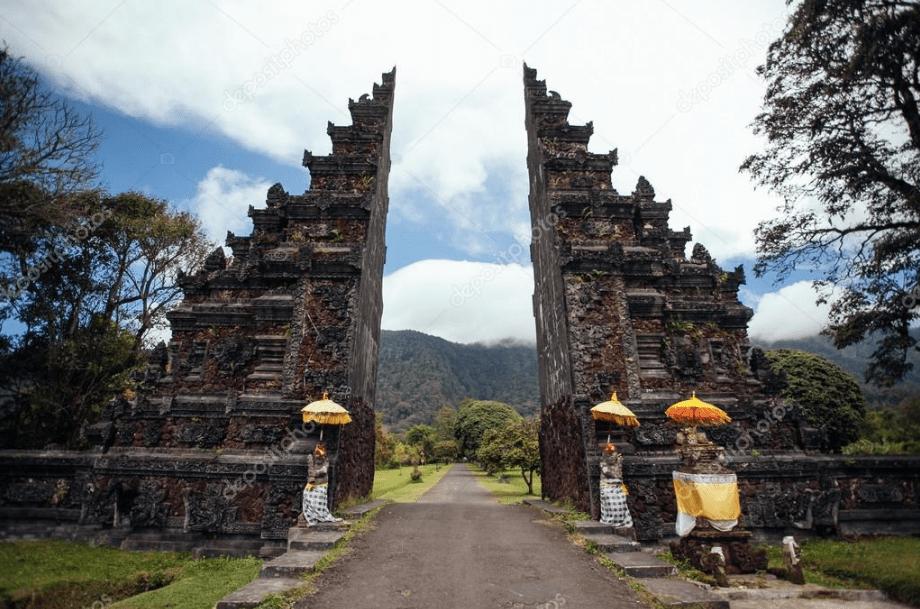 Bentar Temple