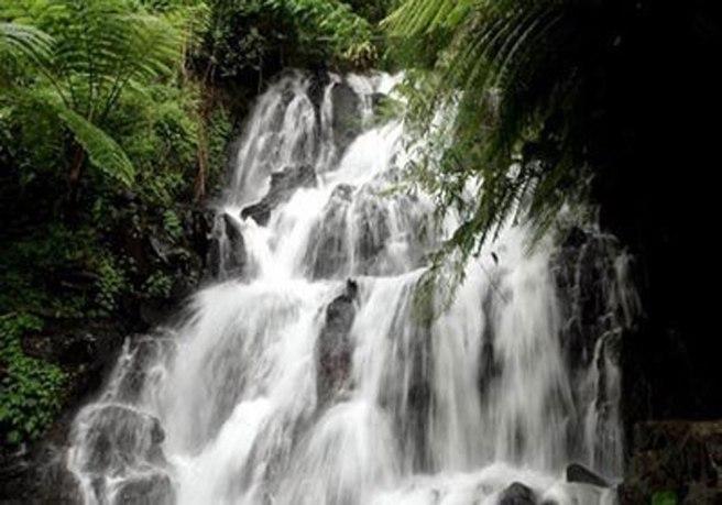 jembong-waterfall-1