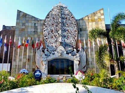 Bali-Memorial-Kuta%231_Laban_700x525