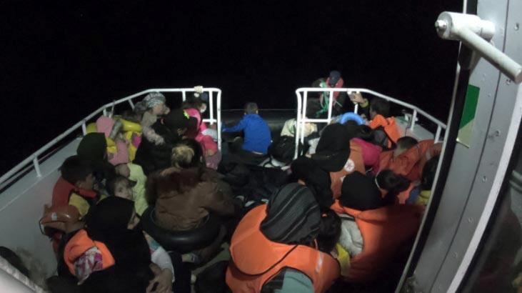 Ayvalık açıklarında 49 düzensiz göçmen kurtarıldı