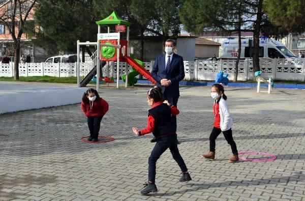 Bakan Selçuk: Okulları peyderpey açma kararımız devam ediyor