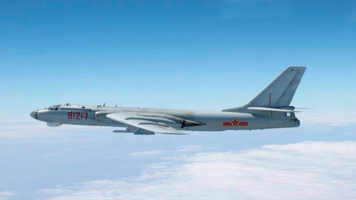 Çin savaş uçakları, ABD uçak gemisine saldırıyı simüle etti
